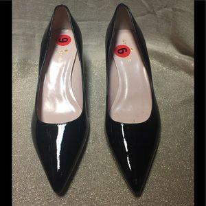 Kate Spade Point toe flannel heels size 6